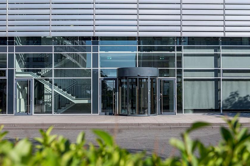 Ausschreibungen & Aufträge für Glaserarbeiten, Verglasung, Rollladen & Sonnenschutz