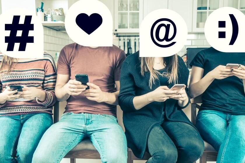 X, Y, Z Generationen spielen mit dem Smartphone